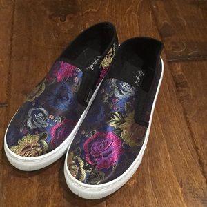 Qupid black slip on sneakers